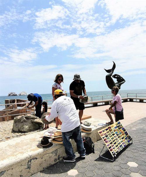 Vendedores Ambulantes en Playas de Mazatlán Reactivan su Economía Post Covid - 19 2020