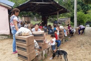 Hacen entrega de apoyos diversos a familias de La Caña