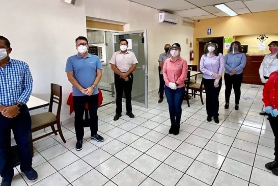 Óscar Pérez Barros realiza gira de inspección en hoteles de Guamúchil