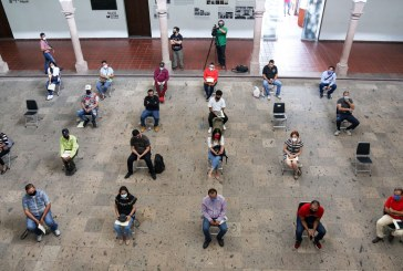 Entrega el ISIC apoyos a 18 artesanos de todo el Estado