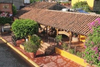 Restaurante El Mesón de los Lauréanos: La Casa de los Artistas en Sinaloa