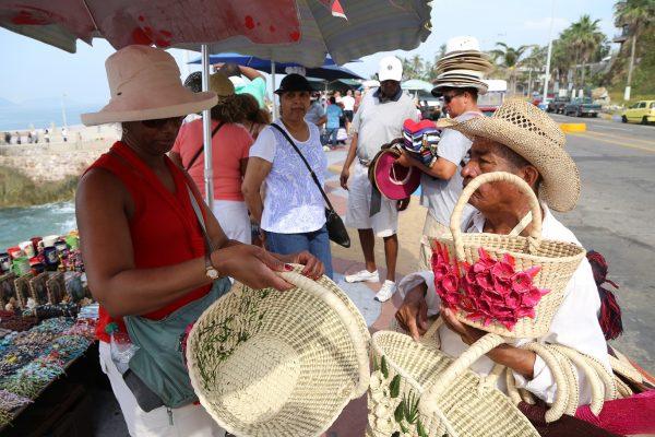 Turistas y Cruceros Mazatlán 2015 (19)