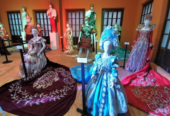 Inicia el Carnaval sin Carnaval de Mazatlán con Expo de Vestuario en Casa Hass