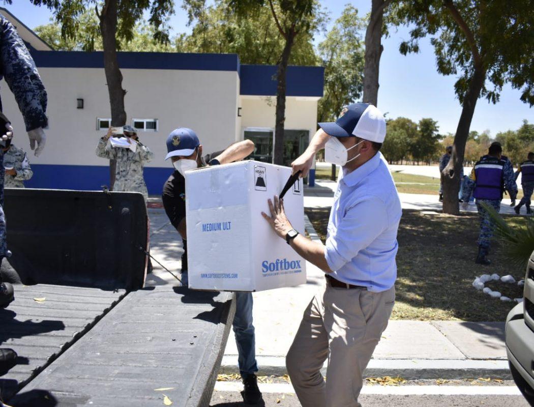 Llegaron a Sinaloa 66 mil vacunas Pfizer para primera y segunda dosis para adultos mayores y personal de salud (1)