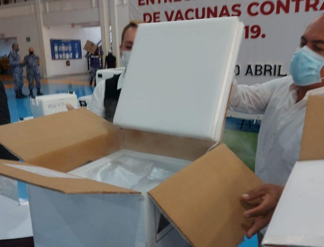 Llegaron a Sinaloa 66 mil vacunas Pfizer para primera y segunda dosis para adultos mayores y personal de salud (4)