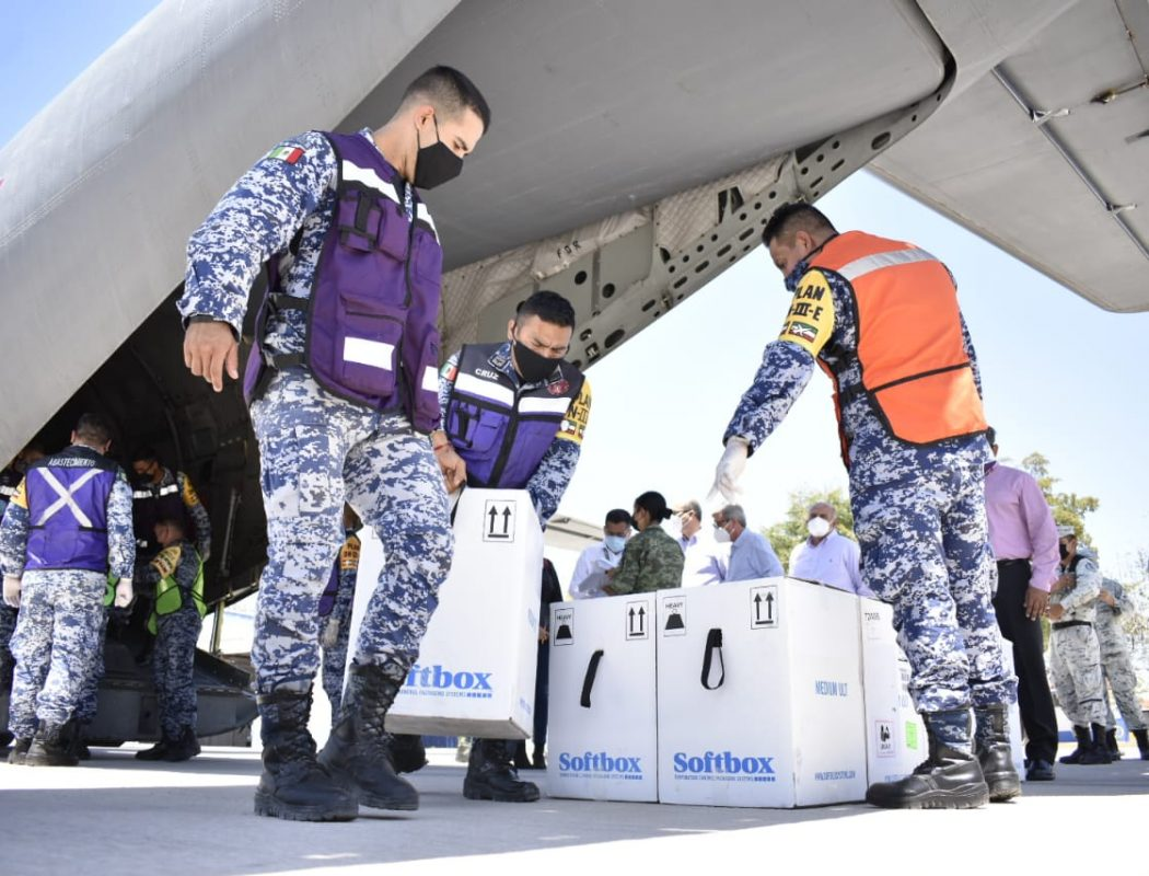 Llegaron a Sinaloa 66 mil vacunas Pfizer para primera y segunda dosis para adultos mayores y personal de salud (6)