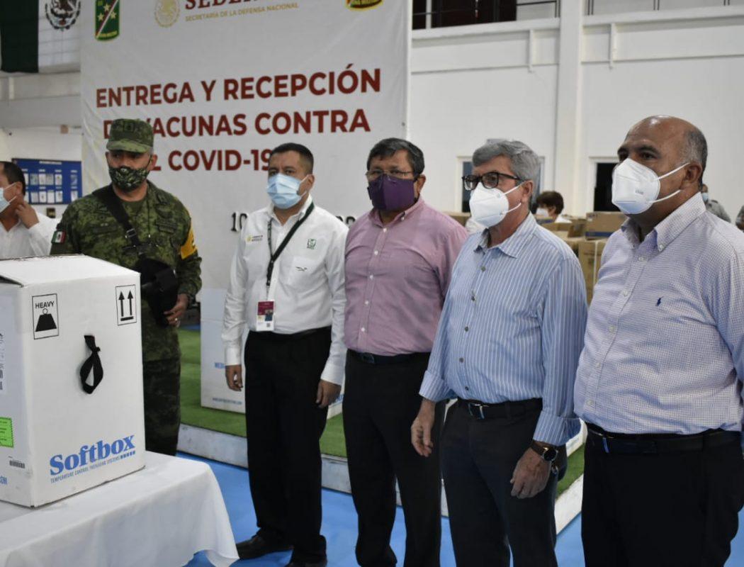 Llegaron a Sinaloa 66 mil vacunas Pfizer para primera y segunda dosis para adultos mayores y personal de salud (7)