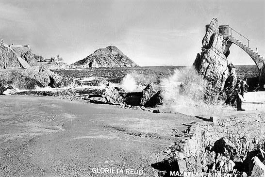 Glorieta  Redo de Mazatlán Ejemplo de la Grandeza de Nuestros Antepasados