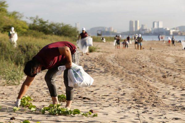 Bien por las Autoridades Realizan campaña Playas Limpias Sinaloa en Isla Venados 2021 3