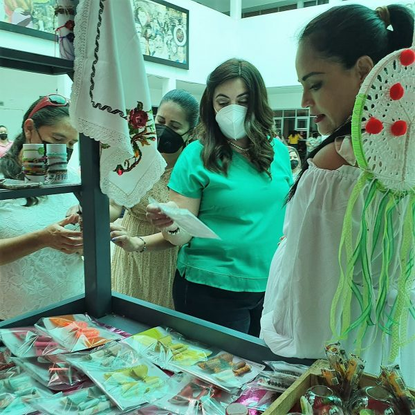 "Buscan empoderar a emprendedoras a través del programa ""Mujer Productiva"" 2021 1"