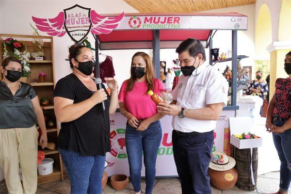 Ponen en marcha carreta para la venta de productos regionales en Cosalá 2021 1