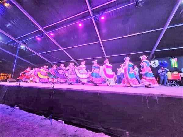 Compañía Folclórica el Mazatleco en el 48 Festival de Montoire, Francia, activa la esperanza de que la Cultura vuelva a la normalidad 2021 2