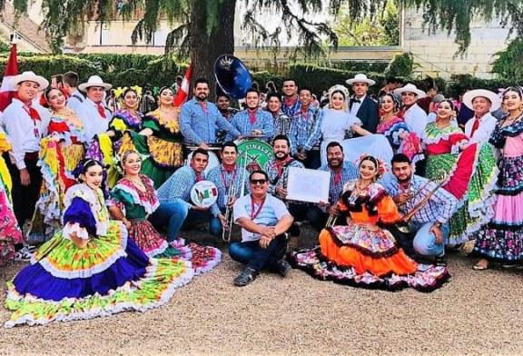 Compañía Folclórica el Mazatleco en el 48 Festival de Montoire, Francia, activa la esperanza de que la Cultura vuelva a la normalidad
