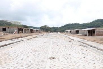Con buen ritmo construcción de viviendas para comuneros en Santa María: Quirino
