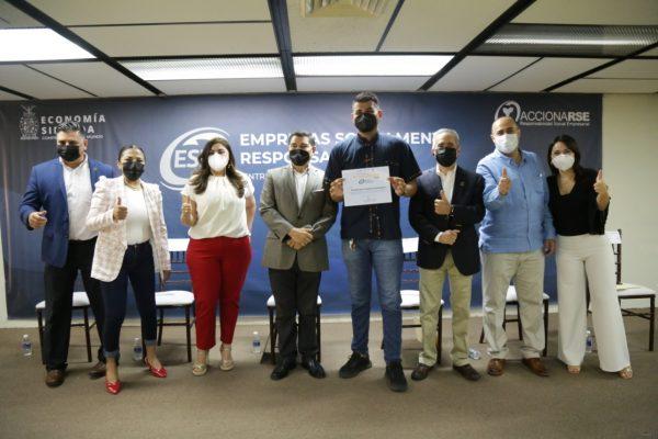 Entregan en Sinaloa reconocimientos a Empresas Socialmente Responsables 2021 (7)