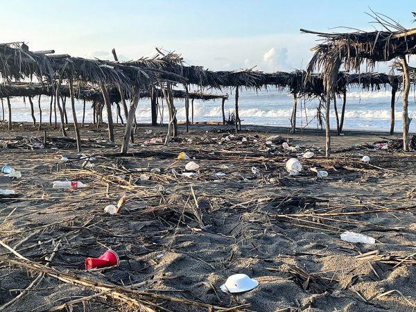 Cómo se Puede Vivir Así en Playa Ponce Centro de Sinalao 2021 1