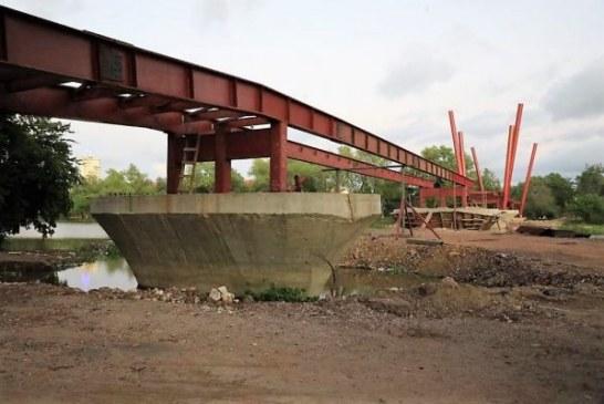 Quirino Ordaz Coppel supervisa construcción de puente bimodal en parque Las Riberas