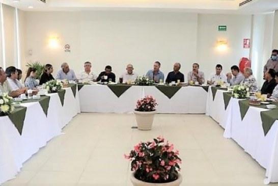 Quirino se reúne con empresarios y comerciantes del ramo turístico de la Zona Dorada de Mazatlán
