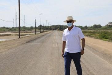 Quirino supervisa la modernización de la carretera Guasave-Las Glorias
